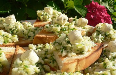 Toasts fromagers aux courgettes