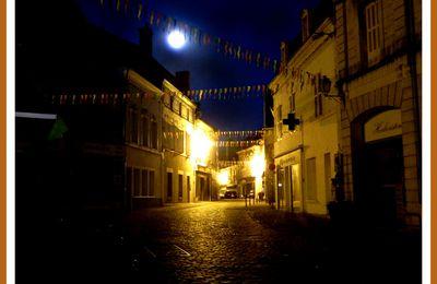 Fonds d'écran gratuits.Une ville ,la nuit (4).Par Jipé.
