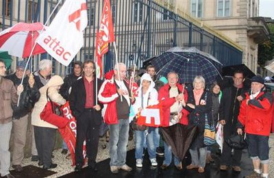 Une quarantaine de manifestants contre « l'austérité » du traité européen