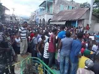 Jacmel/insécurité : Manifestations en dépit de la libération du jeune kidnappé Johim Etienne.