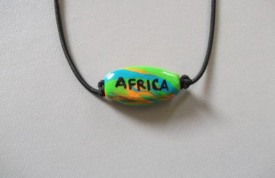 AFRICA1 : Collier Africa 5€ (Perle marbrée)