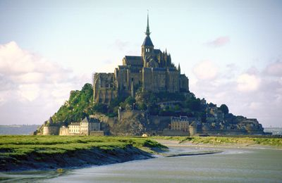 Les apparitions du Mont-Saint-Michel