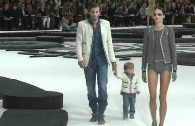 [.Chanel show.]