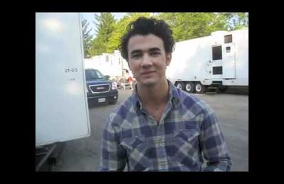 Joe, Nick & Kevin on the set of Camp Rock 2!