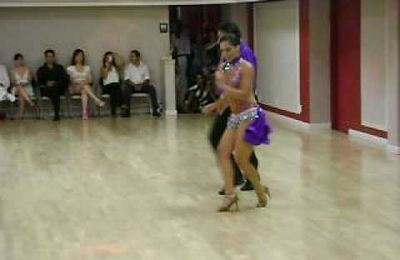 Video cha-cha : Eddie Torres and Griselle Ponce performing a Cha Cha at the All White Salsa party