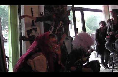 Video de la performance à Nantes au Café Death Porc!