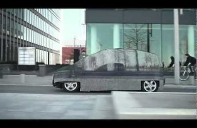 Une voiture invisible
