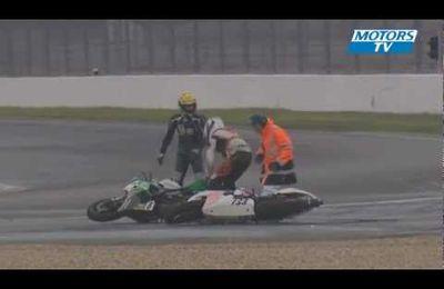 Un accident inhabituel pour deux motos de course