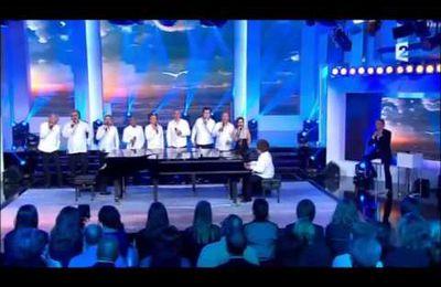 Les Stars 80 autour du piano