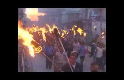 Vidéo de la manifestation à Katmandou contre la reddition de l'Armée Populaire de Libération