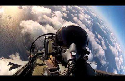 1 tour en F18 vous en rêviez - bienvenu à bord (vidéo)