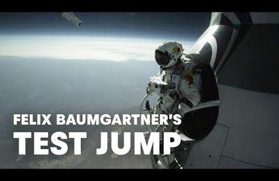 Hommage à Félix Baumgartner qui a sauté de plus de 38.000 mètres !