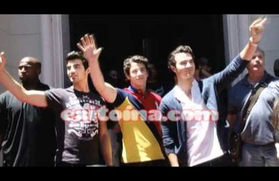 Jonas Brothers in Argentina (11/13/10)
