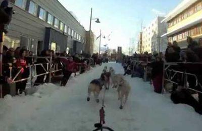 Vidéo du départ de la Finnmarkslopet 500