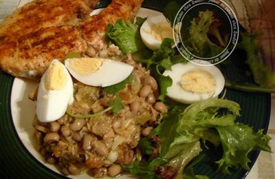 Grilled Salmon Salad with black eyed beans