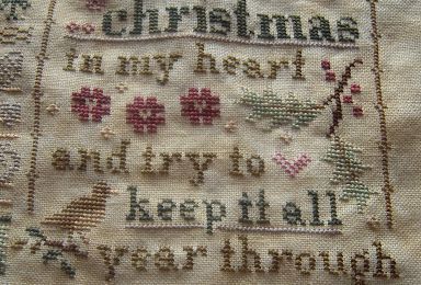 Lizzie Kate 2013 Christmas Mystery Sampler Holly & Hearts - 2