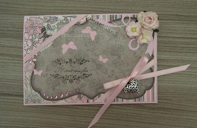 """Carte : """"Papillons"""" (Gris et Rose Pâle)"""
