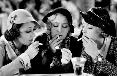 THREE ON A MATCH (Une Allumette pour trois) – Mervyn LeRoy (1932) – Joan Blondell, Ann Dvorak, Bette Davis, Warren William, Humphrey Bogart
