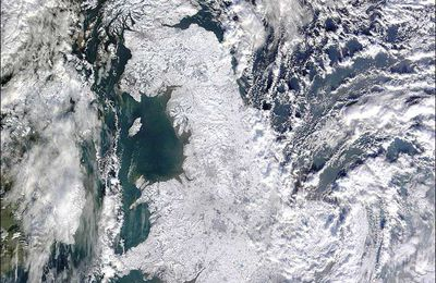 Frozen Britain : a satellite view