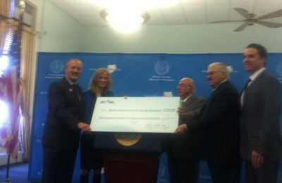 """$125,000 """"Staten Island Day"""" donation to Sandy recovery programs!"""