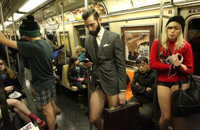 "FeelNYC vous présente le ""No Pants Subway Ride"" 2013"
