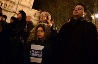 MÂCON Près de 400 personnes ont applaudi Charlie Hebdo
