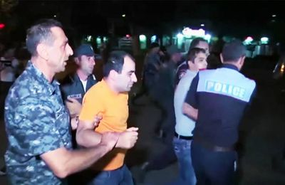 Arménie: affrontements entre policiers et manifestants