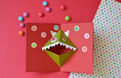Carte pop-up pour halloween