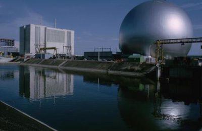 EDF veut reporter le démantèlement de ses centrales (Martine Orange)