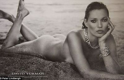 Kate Moss pose pour Peter Lindbergh (photographe)