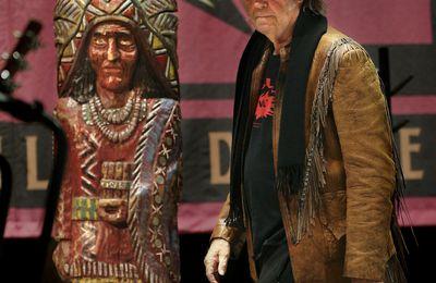 Israel Boycott: Le militantisme des chanteurs prétendument engagés a ses limites...(+ Neil Young and Crazy Horse 2014)