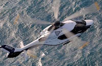 Airbus Helicopters vole à vue