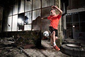 Street style: campionati di calcio acrobatico dalla Red Bull Street Style