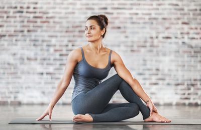 If You Can Follow Simple Directions, Here's How To Lose 20 Pounds With Yoga Burn In Your Spare Time - And Have Fun Doing It!: Slimming Down Might Be Straightforward If You Follow This Advice