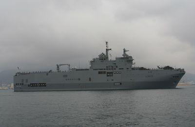 """Le groupe """"Jeanne d'Arc"""" accoste à Darwin pour des exercices avec la marine australienne"""
