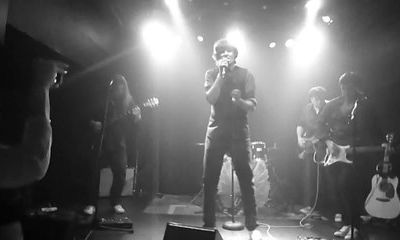 the Flying Pigs - What Goes On - (VU Cover) live le 27 juin 2014 - Péniche Antipode 75019
