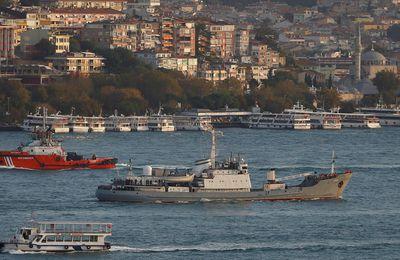 Un navire espion russe coule en mer Noire au large de la Turquie