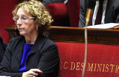 La ministre du Travail s'engage à augmenter les indemnités de licenciement en septembre