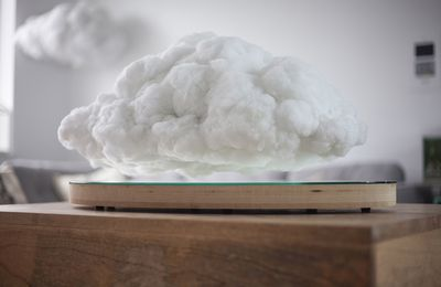 Making Weather : le nuage d'intérieur par Crealev et Richard Clarkson Studio