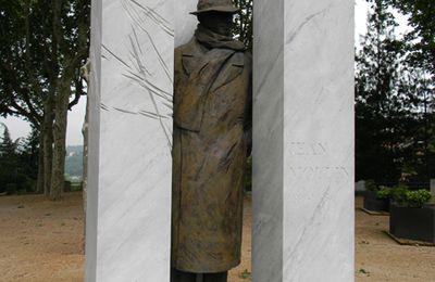 Le préfet Jean Moulin, héros de la résistance