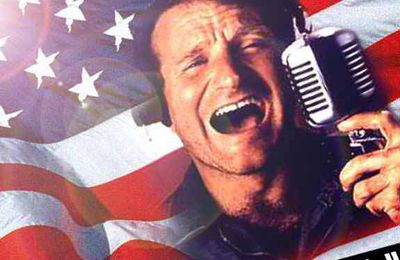 "Good Morning Vietnam : ""Goooood Morninnng Vietnam !"""