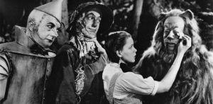 """Streghe, scarpette rosse emagie : otto imperdibili curiosità sul Mago di Oz (""""Sorcières, chaussures rouges et magies : huit incroyables curiosités sur le Magicien d'Oz"""")."""