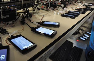 COULISSES - Comment Microsoft teste les futurs Windows Phone 7