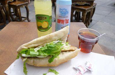 Plaisirs stambouliotes : boire et manger