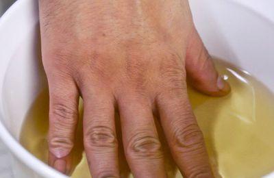 Bain au vinaigre de cidre pour traiter l'arthrite et les douleurs articulaires naturellement