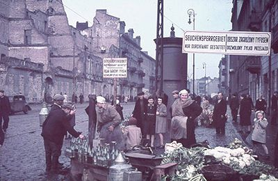 Des photos couleurs du ghetto prises par le photographe des nazis - document exceptionnel..Par Haabir haisraeli !!