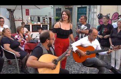Andreia Matias acompanhada à guitarra por Sandro Costa e à viola por António Neto - Reviver o Passado