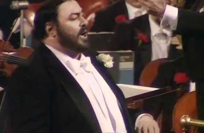 Luciano Pavarotti. Torna a Surriento. London 1982.