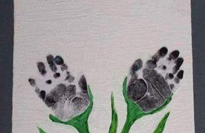 Tableau Floral avec pieds et mains