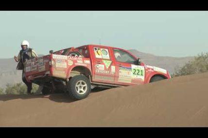 Séquence vidéo avec la 4è étape du M'hamid Express et le film complet du Morocco Sand Express